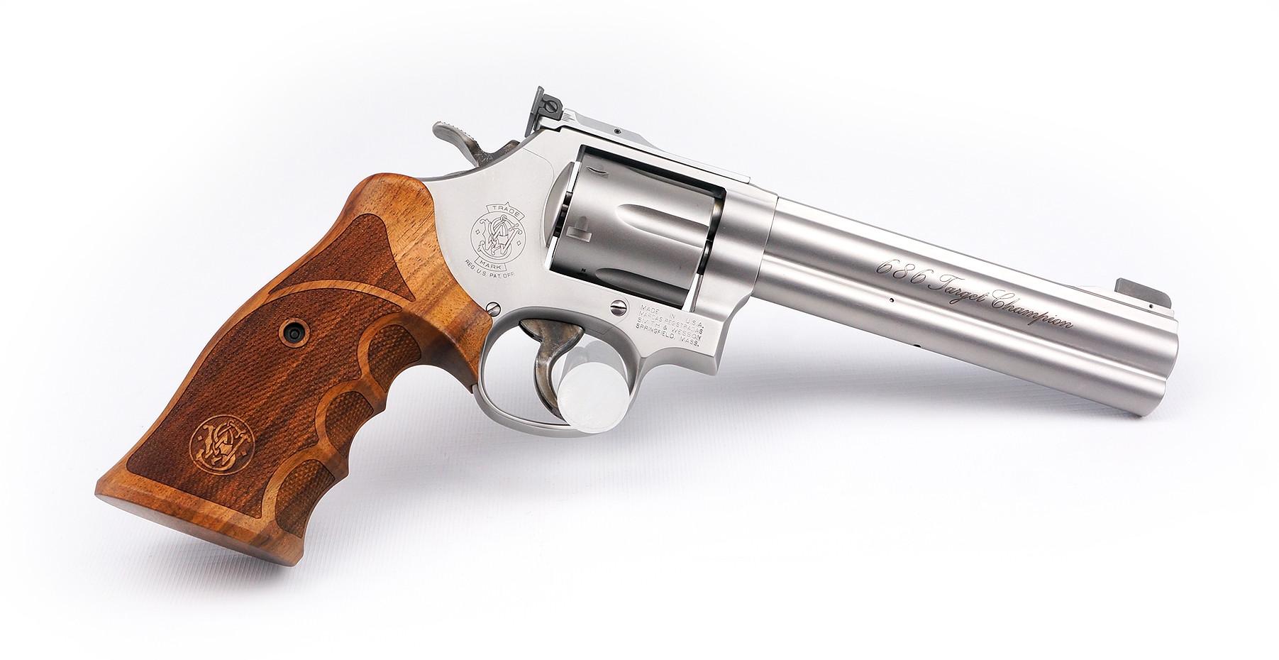 Revolver S&W 686 Target Champion STL matt 6 Zoll .357 Mag. Waffenstube Thalkirchen München Bayern Deutschland